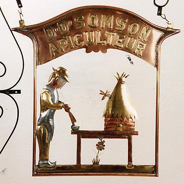 http://www.prise2tete.fr/upload/maitou22-apiculteur.jpg